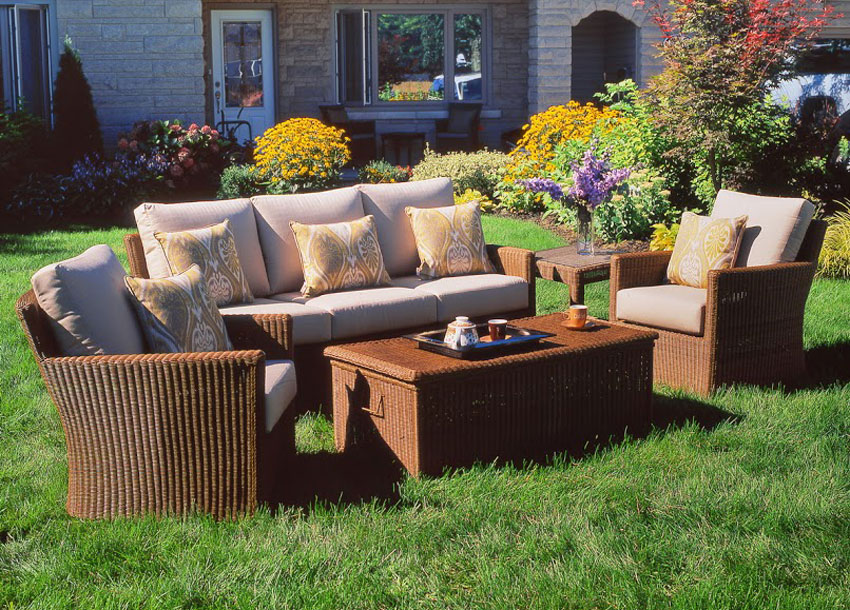 Chat set patio furniture edmonton for Furniture edmonton